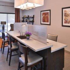 Отель Best Western Royal Palace Inn & Suites США, Лос-Анджелес - отзывы, цены и фото номеров - забронировать отель Best Western Royal Palace Inn & Suites онлайн интерьер отеля