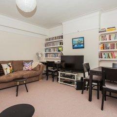 Отель Spacious 2 Bedroom Flat in North West London развлечения