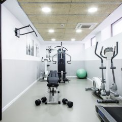 Отель Residencia Universitaria Vallehermoso фитнесс-зал