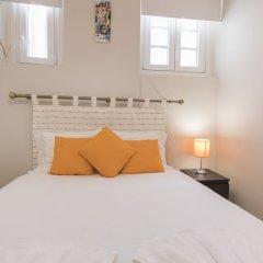 Отель Cozy Flat in the Heart of Alfama Португалия, Лиссабон - отзывы, цены и фото номеров - забронировать отель Cozy Flat in the Heart of Alfama онлайн комната для гостей фото 4