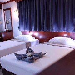 Отель The Little Mermaid Guesthouse And Restaurant пляж Ката комната для гостей фото 4