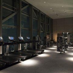 Отель Park Hyatt Tokyo Токио фитнесс-зал фото 2