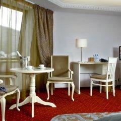 Гостиница Братья Карамазовы 4* Стандартный номер двуспальная кровать фото 19