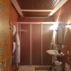 Отель Riad Dar Karima Марокко, Рабат - отзывы, цены и фото номеров - забронировать отель Riad Dar Karima онлайн ванная фото 2