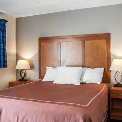 Отель Rodeway Inn & Suites Niagara Falls США, Ниагара-Фолс - отзывы, цены и фото номеров - забронировать отель Rodeway Inn & Suites Niagara Falls онлайн комната для гостей фото 3