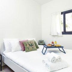 Отель Renovated & Sunny Apt W 3BR 3 Bathrooms Тель-Авив комната для гостей фото 3