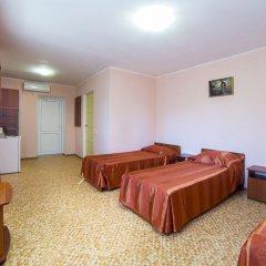 Гостиница Лето комната для гостей