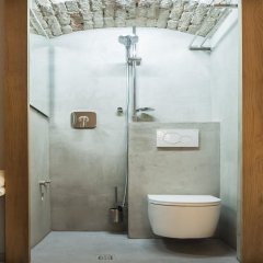 Отель himmelundhimmel - barhotelgalerie Германия, Мюнхен - отзывы, цены и фото номеров - забронировать отель himmelundhimmel - barhotelgalerie онлайн ванная