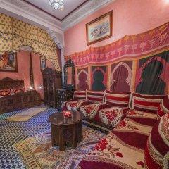 Отель Riad Dar Guennoun Марокко, Фес - отзывы, цены и фото номеров - забронировать отель Riad Dar Guennoun онлайн интерьер отеля