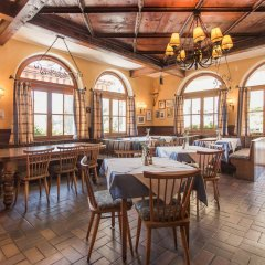 Hotel Gasthof Zum Kirchenwirt Пух-Халлайн гостиничный бар