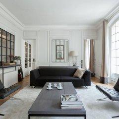 Отель onefinestay - Parc Monceau Apartments Франция, Париж - отзывы, цены и фото номеров - забронировать отель onefinestay - Parc Monceau Apartments онлайн комната для гостей фото 2