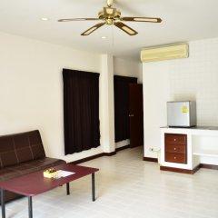 Отель Phuket Siray Hut Resort Таиланд, Пхукет - отзывы, цены и фото номеров - забронировать отель Phuket Siray Hut Resort онлайн комната для гостей фото 3