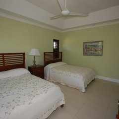 Отель Mai Tai Villa, 4BR by Jamaican Treasures комната для гостей