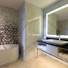 Renaissance Minsk Hotel Минск ванная