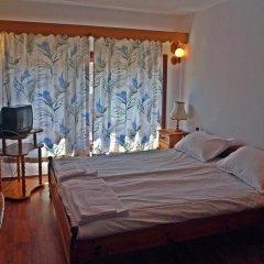 Family Hotel Feniks Чепеларе комната для гостей фото 2