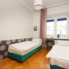 Отель Hostel Helvetia Plus Польша, Варшава - отзывы, цены и фото номеров - забронировать отель Hostel Helvetia Plus онлайн комната для гостей фото 4