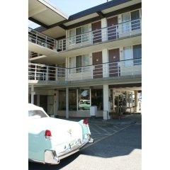 Отель Pauls Motor Inn Канада, Виктория - отзывы, цены и фото номеров - забронировать отель Pauls Motor Inn онлайн парковка