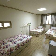 Отель SSGuesthouse - Hostel Южная Корея, Сеул - отзывы, цены и фото номеров - забронировать отель SSGuesthouse - Hostel онлайн комната для гостей фото 2