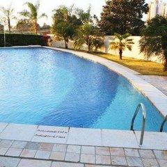 Отель Comfort Suites Londrina бассейн