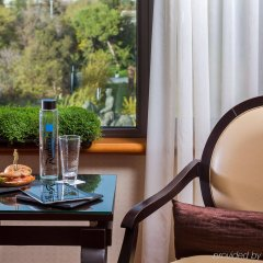 Radisson Blu Park Hotel, Athens в номере