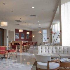 Отель Hampton Inn by Hilton/ GuadalajaraExpo Мексика, Гвадалахара - отзывы, цены и фото номеров - забронировать отель Hampton Inn by Hilton/ GuadalajaraExpo онлайн гостиничный бар