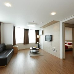 Отель Ramada by Wyndham Seoul Dongdaemun фитнесс-зал