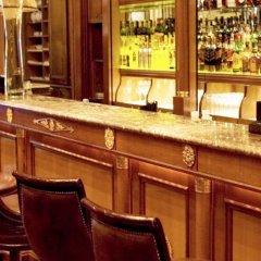 Отель Four Seasons George V Париж гостиничный бар
