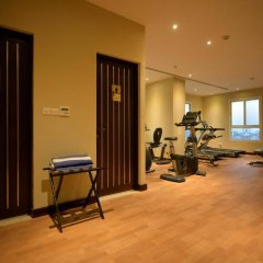 Strato Hotel by Warwick фитнесс-зал фото 3