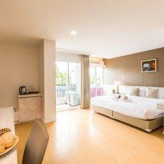 Отель Baron Residence Бангкок комната для гостей фото 2