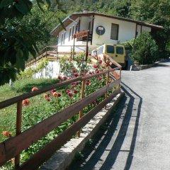 Отель Fisherman's Hut Family Hotel Болгария, Чепеларе - отзывы, цены и фото номеров - забронировать отель Fisherman's Hut Family Hotel онлайн парковка