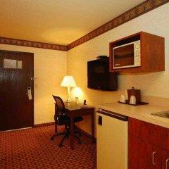 Отель Best Western Plus Rama Inn & Suites в номере
