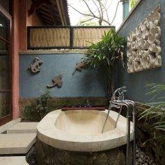 Отель Dwaraka The Royal Villas ванная фото 2