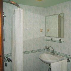 Отель Regina's Guesthouse Болгария, Балчик - отзывы, цены и фото номеров - забронировать отель Regina's Guesthouse онлайн ванная фото 2