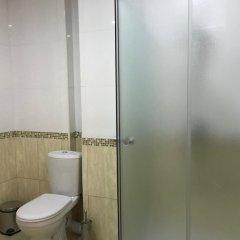 Отель Plaza Viktoria Армения, Гюмри - отзывы, цены и фото номеров - забронировать отель Plaza Viktoria онлайн ванная фото 2