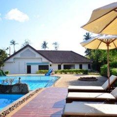 Отель Phuket Siray Hut Resort Таиланд, Пхукет - отзывы, цены и фото номеров - забронировать отель Phuket Siray Hut Resort онлайн бассейн