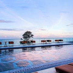 Отель Centara Grand Phratamnak Pattaya бассейн