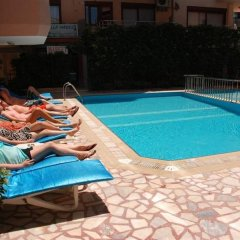 Rosella Hotel бассейн фото 3