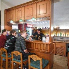 Отель Little Quarter Hostel Чехия, Прага - 11 отзывов об отеле, цены и фото номеров - забронировать отель Little Quarter Hostel онлайн гостиничный бар