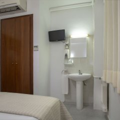 Отель Hostal Sans Испания, Барселона - отзывы, цены и фото номеров - забронировать отель Hostal Sans онлайн удобства в номере фото 2