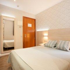 Отель Hostal Fernando Испания, Барселона - отзывы, цены и фото номеров - забронировать отель Hostal Fernando онлайн комната для гостей фото 2