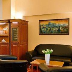 Отель Cloister Inn Hotel Чехия, Прага - - забронировать отель Cloister Inn Hotel, цены и фото номеров интерьер отеля