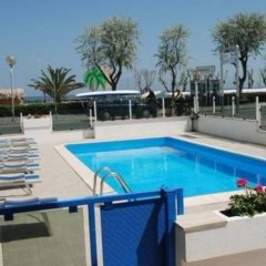 Hotel Costazzurra Римини бассейн фото 2