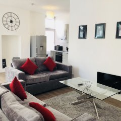 Апартаменты Spacious & Modern 2 Bed Apartment at Knightsbridge London Лондон комната для гостей фото 2