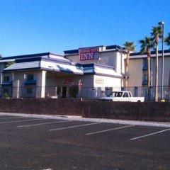 Отель Goodnite Inn and Suites парковка