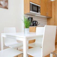Отель Apartdirect Hammarby Sjostad Стокгольм в номере