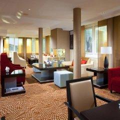 Отель Courtyard by Marriott Dresden гостиничный бар
