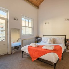 Отель Modern mews home in Kings Cross комната для гостей фото 2