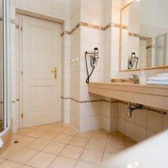 Отель Ontario Чехия, Карловы Вары - отзывы, цены и фото номеров - забронировать отель Ontario онлайн ванная фото 2