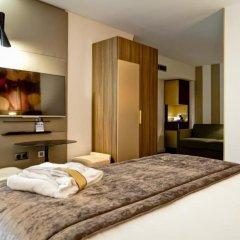 Отель Mercure Lyon Centre Plaza République сейф в номере