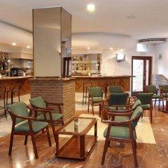 Отель Medina Azahara Торремолинос гостиничный бар